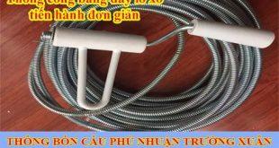 Thông tắc cống bằng dây lò xo làm sạch đường ống 50K