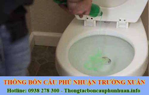 Tại sao không nên đổ nước xà phòng vào bồn cầu toilet ?